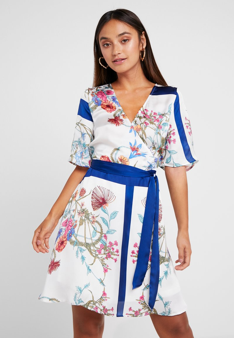 Object Petite - OBJSASLI DRESS - Kjole - gardenia