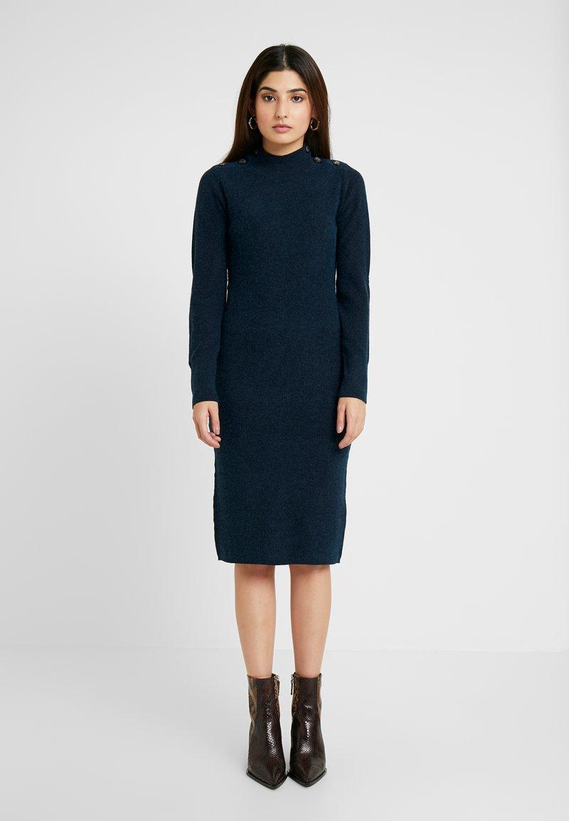 Object Petite - OBJJANEY DRESS - Strikket kjole - sky captain