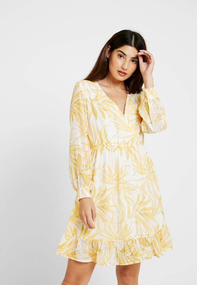 OBJVITA DRESS - Freizeitkleid - yellow