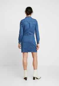 Object Petite - OBJLAIA DRESS - Denim dress - medium blue denim - 3