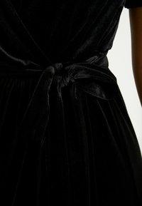 Object Petite - OBJHONEY NOREENA DRESS - Maxi šaty - black - 6