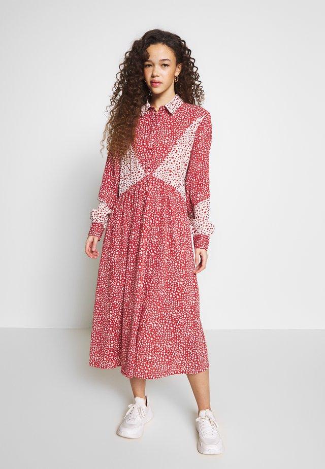 DRESS PETIT - Skjortklänning - tandori spice