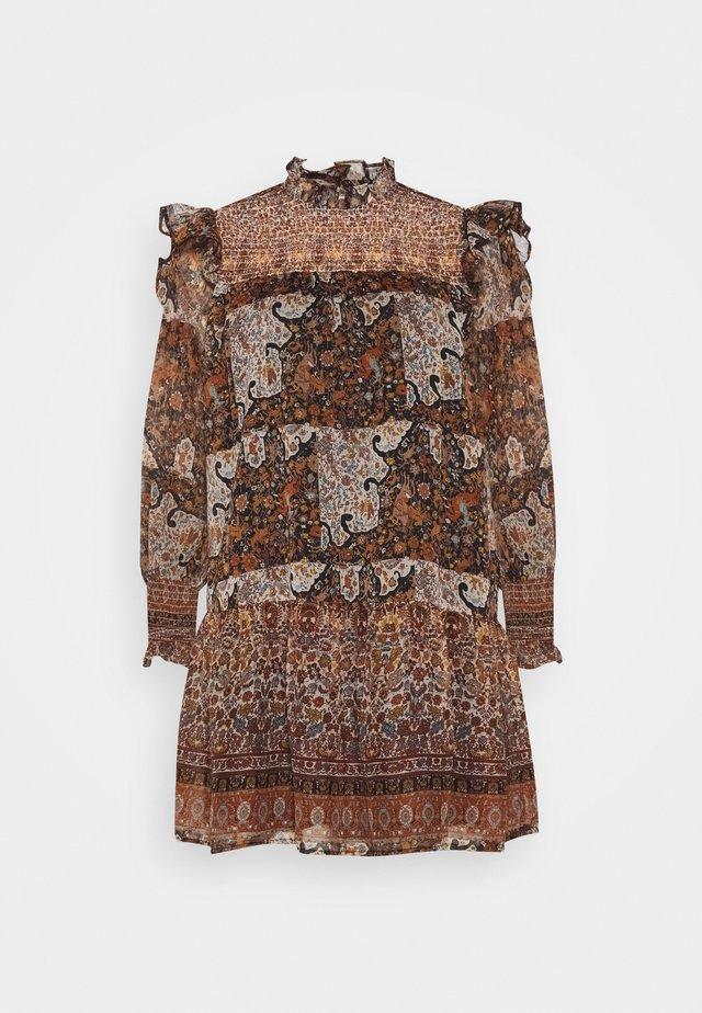 OBJARYA SHORT DRESS - Vardagsklänning - sandshell