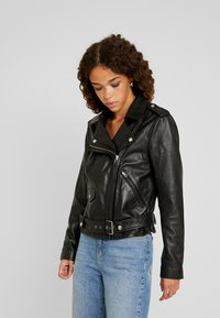 Object Petite - OBJNANDITA LEATHER JACKET - Skinnjacka - black - 0