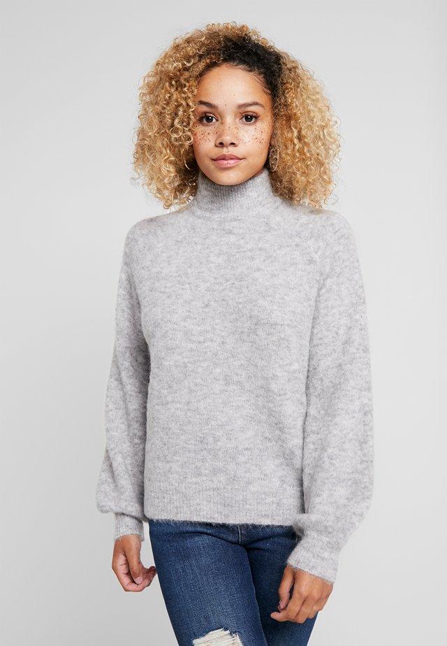 OBJNETE HIGHNECK - Stickad tröja - light grey melange