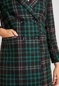 Object Petite - OBJLINA CHECK COAT - Zimní kabát - fern green/black/white - 5