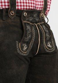 Stockerpoint - BEPPO BIG NEW - Kožené kalhoty - bison - 7