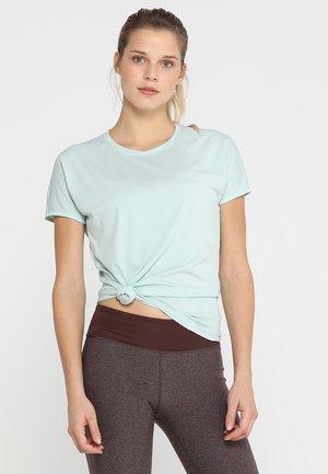 CREW NECK FLI - Print T-shirt - surf spray