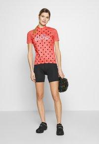 ODLO - STAND UP COLLAR FULL ZIP ELEMENT - Print T-shirt - hot coral melange/diving navy - 1
