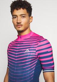 ODLO - STAND UP COLLAR FULL ZIP - Print T-shirt - beetroot purple/estate blue - 4