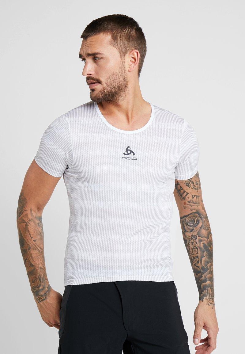 ODLO - CREW NECK ZEROWEIGHT - T-Shirt print - white/silver grey