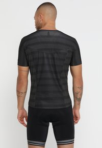 ODLO - CREW NECK ZEROWEIGHT - T-Shirt print - graphite grey/black - 2