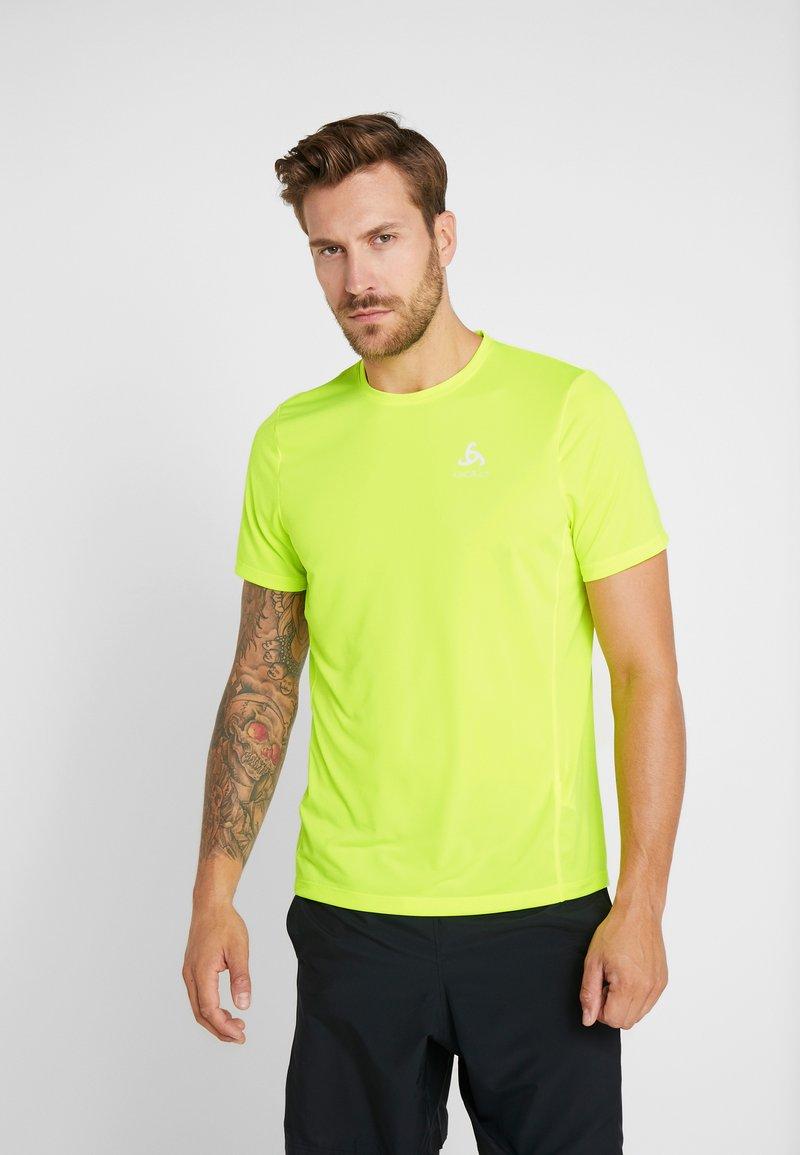 ODLO - CREW NECK ELEMENT LIGHT - Basic T-shirt - safety yellow