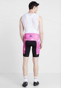 ODLO - MEN PERFRORMANCE SHORTS - Tights - pink - 2