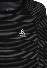 ODLO - ACTIVE WARM KIDS SET - Unterhemd/-shirt - black/grey - 4