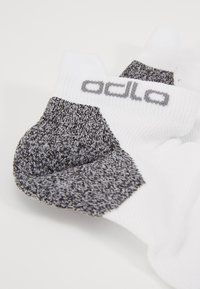 ODLO - SOCKS LOW CERAMICOOL - Sportsocken - white