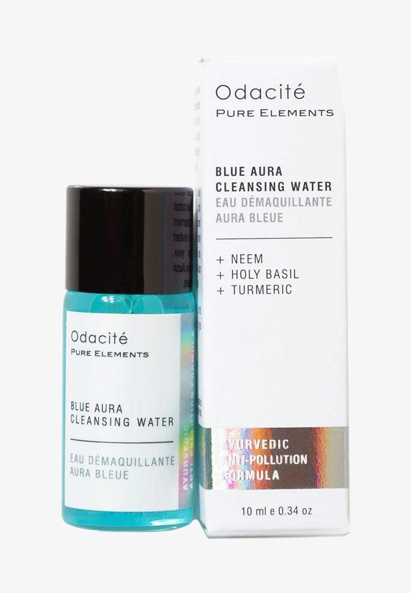 Odacité - BLUE AURA CLEANSING WATER TRAVEL SIZE - Ansiktsrengöring - -