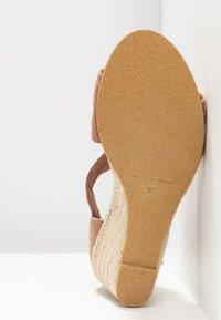 Office - MAIDEN - Wedge sandals - nude - 6