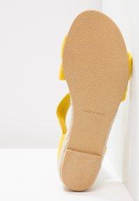 Office - HALLIE - Sandály na klínu - yellow - 5