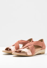 Office - HALLIE - Wedge sandals - terracotta/rose gold - 4