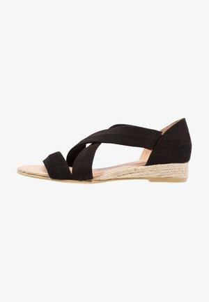 HALLIE - Sandaletter med kilklack - black