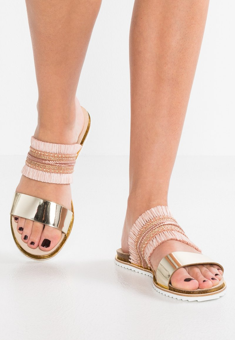 Office - SORINA - Pantolette flach - pink/gold