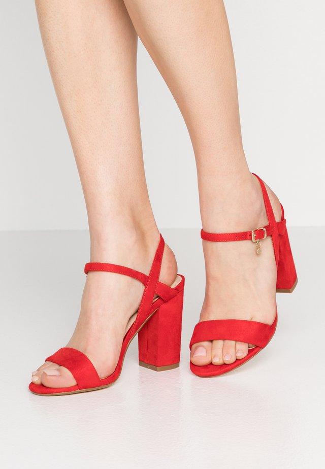 HOLLYHOCK - Sandales à talons hauts - red