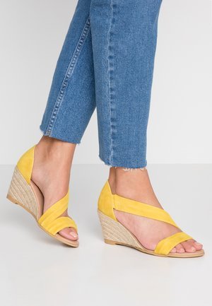 MAID - Wedge sandals - yellow