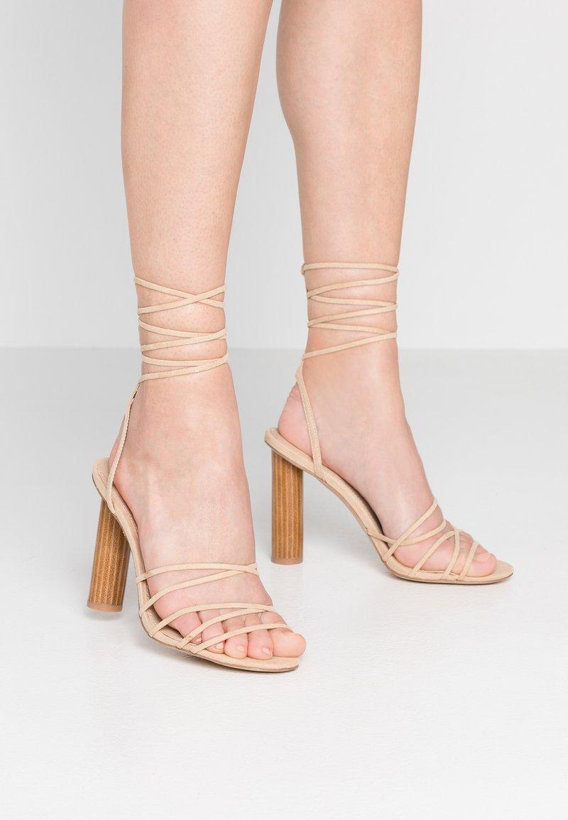 Office - HEARTBEAT - Sandály na vysokém podpatku - nude