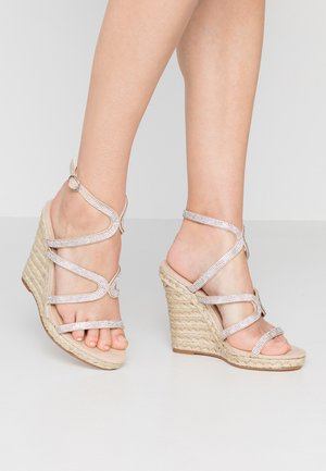 HONEYDEW - Sandály na vysokém podpatku - nude