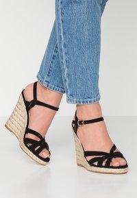 Office - HALFMOON - Sandály na vysokém podpatku - black - 0