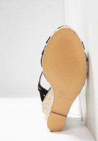 Office - HALFMOON - Sandály na vysokém podpatku - black - 6