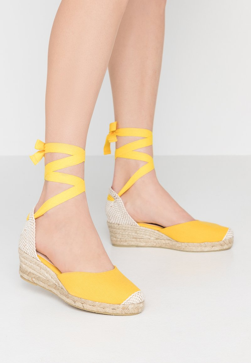 Office - MINI - Lace-up heels - yellow