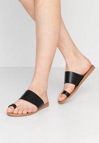 Office - Sandály s odděleným palcem - black - 0