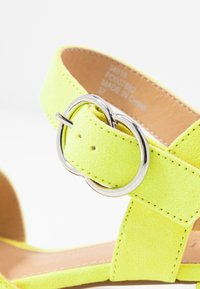Office Wide Fit - MARIA WIDE FIT - Sandály - acid yellow - 2