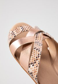 Office Wide Fit - SAFFRON WIDE FIT - Sandalias planas - nude - 2