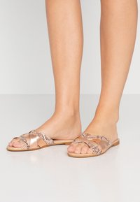 Office Wide Fit - SAFFRON WIDE FIT - Sandalias planas - nude - 0