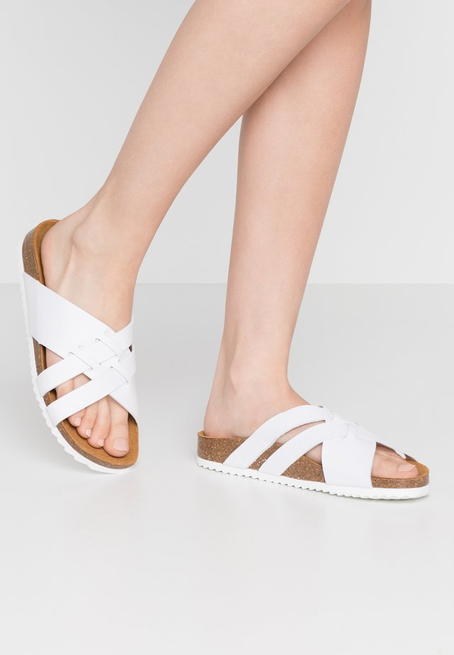 STRIPE - Slippers - white