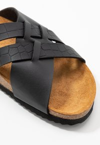 Office - STRIPE - Slippers - black - 2