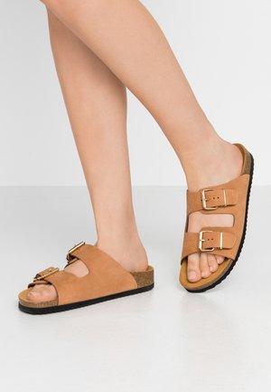 STRIKE - Slippers - nude