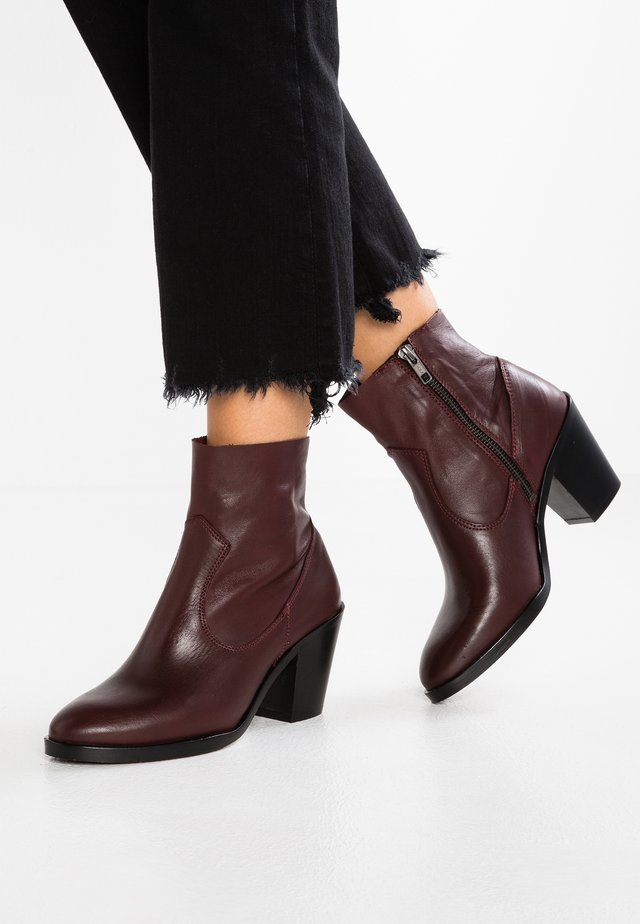 ANGIE  - Ankle Boot - bordeaux