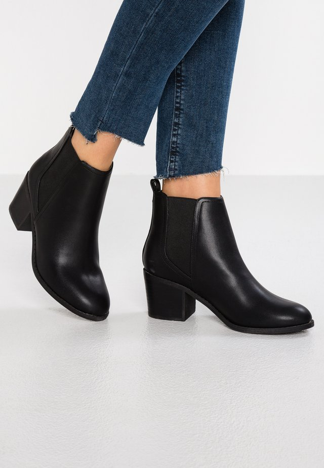 ANALOGUE - Ankle Boot - black