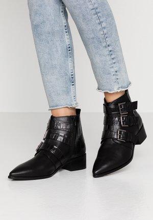 AMBA - Kotníková obuv - black
