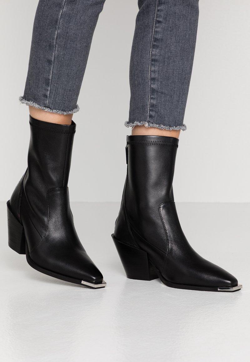 Office - ASHEN - Cowboy/biker ankle boot - black