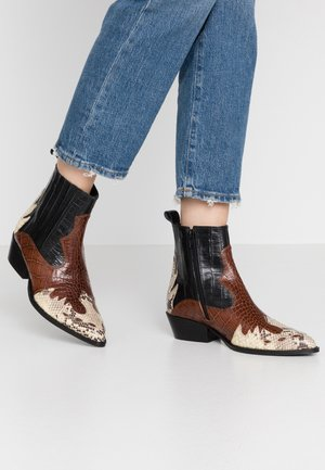 AMELIE - Cowboy/biker ankle boot - black