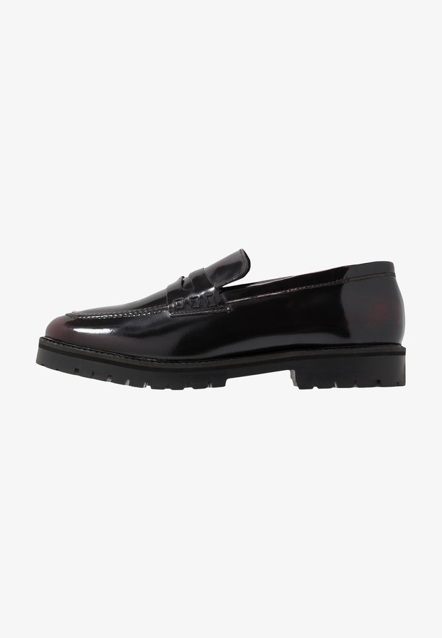 CLARK LOAFER - Slippers - oxblood