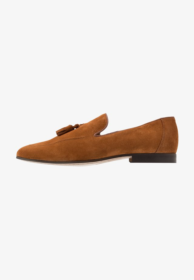 MANTA LOAFER - Loaferit/pistokkaat - tan
