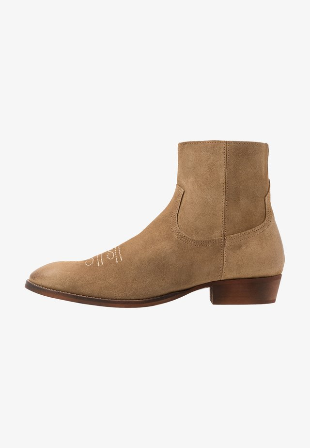 CLINT WESTERN BOOT - Cowboy/biker ankle boot - sand