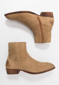 Office - CLINT WESTERN BOOT - Cowboy/biker ankle boot - sand - 1