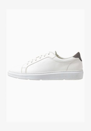 CROSS TRAINER - Sneakers laag - white
